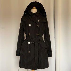 Burberry trench coat/rain coat